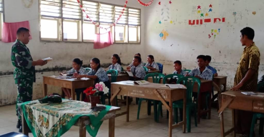 Goes to School di Kolang