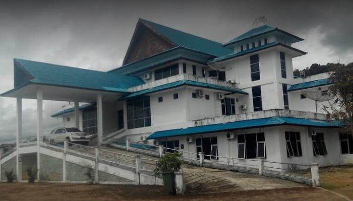 Pelantikan Anggota DPRD Tapteng