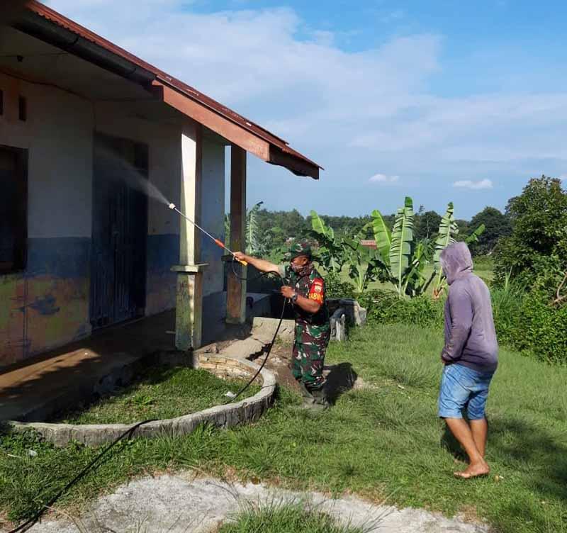 TNI Semprot Disinfektan