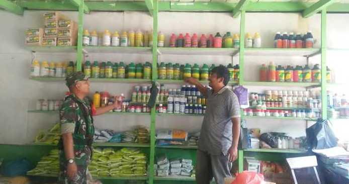 TNI Sidak Kios Pupuk di Desa Pardomuan