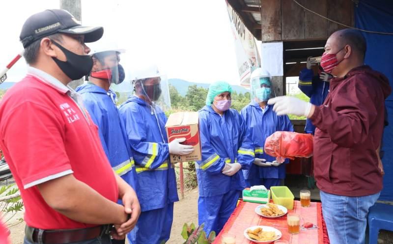 Bupati Taput Lanjutkan Peninjauan Posko Desa