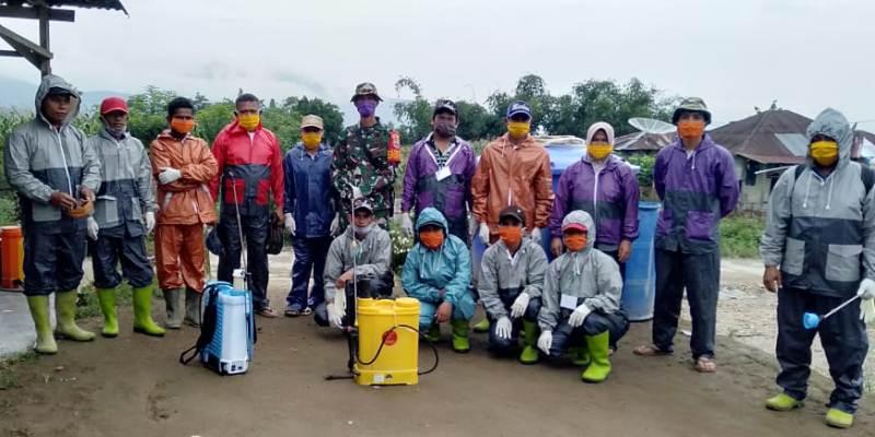 TNI Semprot Disinfektan Rumah