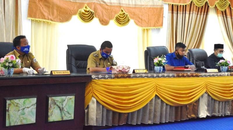Bupati Tapteng Terima Rekomendasi LKPJ dari Dewan
