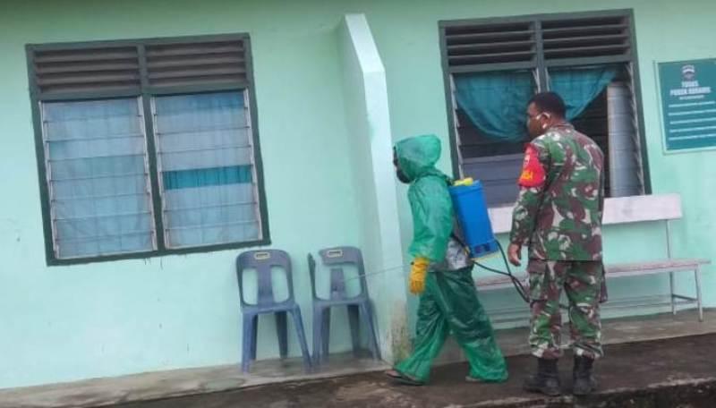 Kantor TNI Disemprot Disinfektan