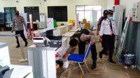 Polisi Sterilisasi Bandara Dr.FL Tobing Pinangsori Tapteng