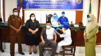 Dinas Kesehatan Tapteng melaksanakan vaksinasi COVID-19 di ruang sidang Pengadilan Negeri Sibolga