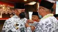 Bupati Taput Nikson Nababan Hadiri Pengukuhan Pengurus PGRI Taput Masa Bhakti 2021-2026 di Sopo Partungkoan Tarutung