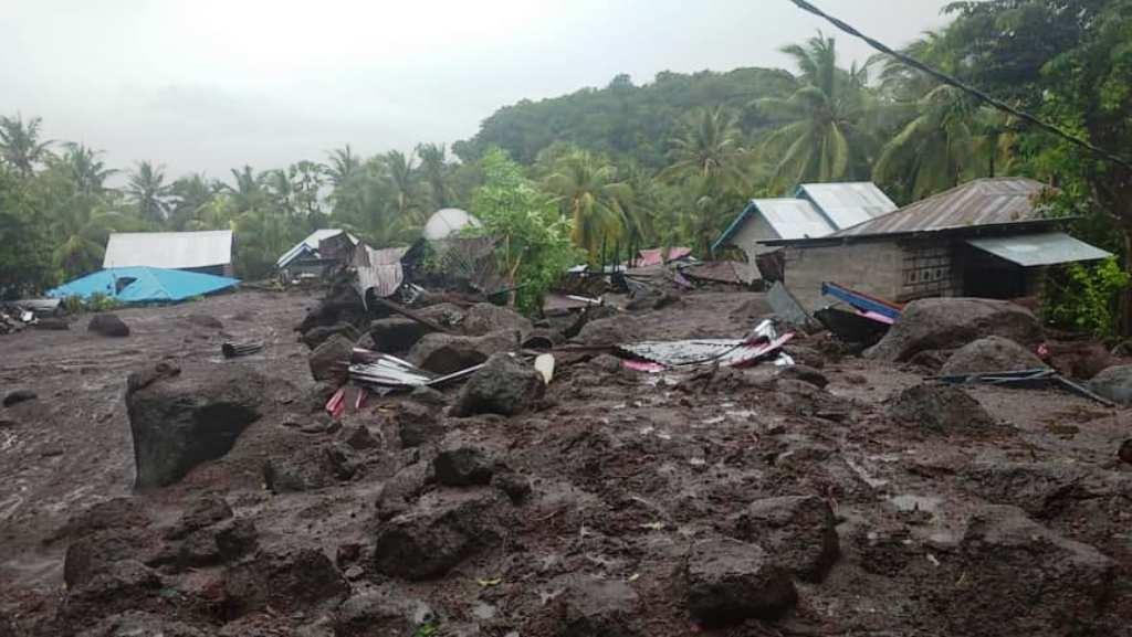 Wakil Gubernur NTT Josef Nae Soi menyebut, jumlah korban jiwa akibat banjir dan tanah longsor sebanyak 84 orang