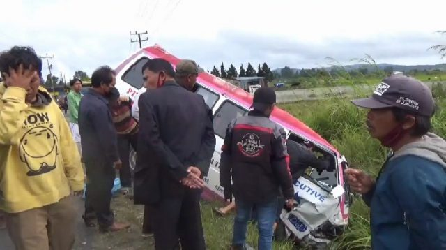 Dua Mobil Terlibat Kecelakaan di Humbahas.