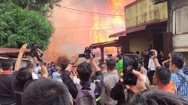 Kebakaran Rumah di Pasar Belakang Kota Sibolga.