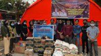 Ikatan Mahasiswa Tapanuli Tengah-Sibolga (Imatapsi) menggalang dana untuk para korban kebakaran rumah di jalan Perintis Kemerdekaan, Kelurahan Pasar Belakang, Kecamatan Sibolga Kota, Kota Sibolga.