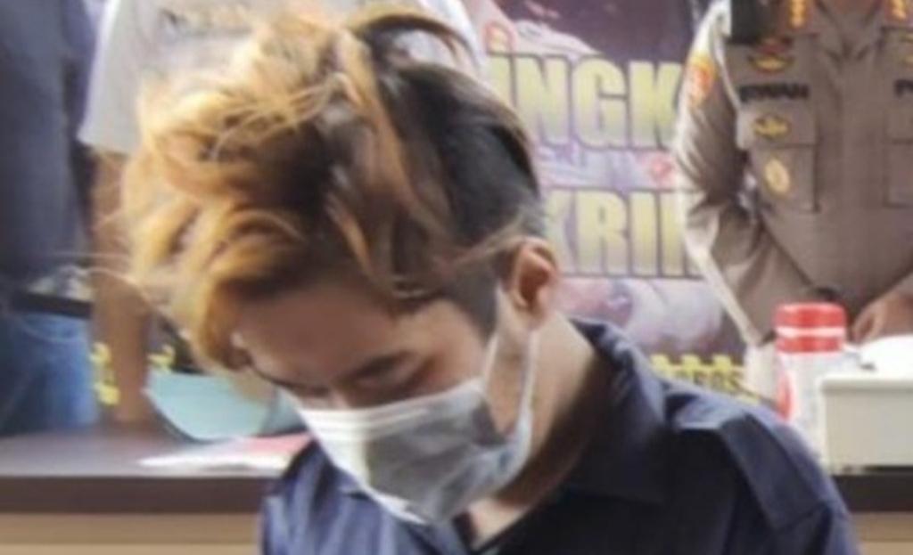 Daffa, pelaku pembunuhan Ratna di Semarang (Foto: Angling AP/detikcom)