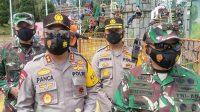 Pangdam I/BB, Mayjen TNI Hasanuddin bersama Kapoldasu Irjen Pol Panca Putra Simanjuntak meninjau objek wisata pada masa libur perayaan Idul Fitri 1442 H di tengah pandemi COVID-19, Sabtu (15/5/2021).