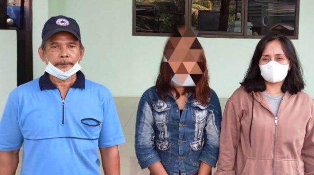 Korban SN (tengah). (Foto: okeone)