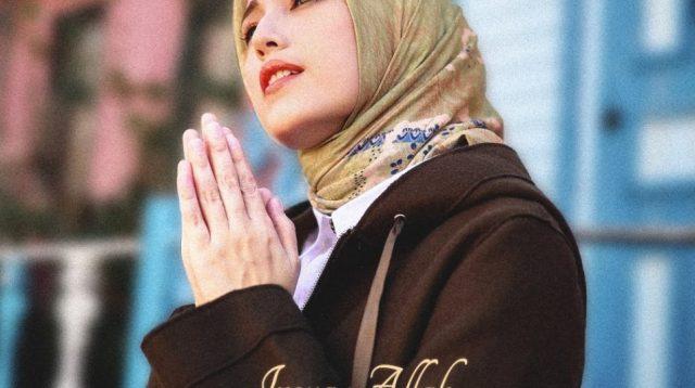 Istri Pasha 'UNGU', Adelia Wilhelmina, menghadirkan sebuah karya di bulan suci Ramadhan tahun 2021.
