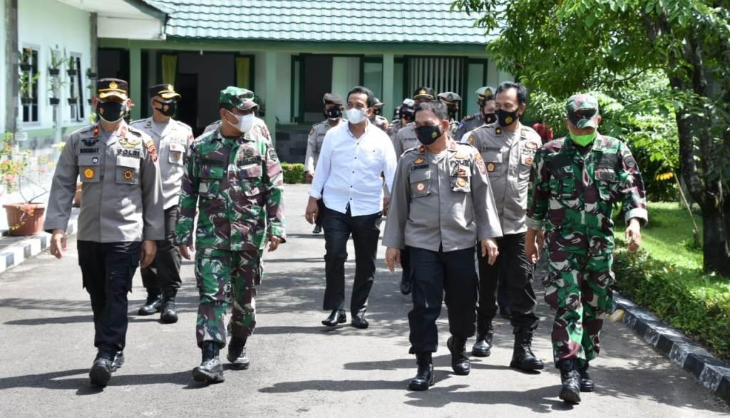 Waka Polres Tapteng dan Sibolga saat Disambut di Makorem 023/KS.