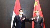 Luhut bersama Menteri Luar Negeri China Wang Yi (Istimewa/Kemenko Marves)