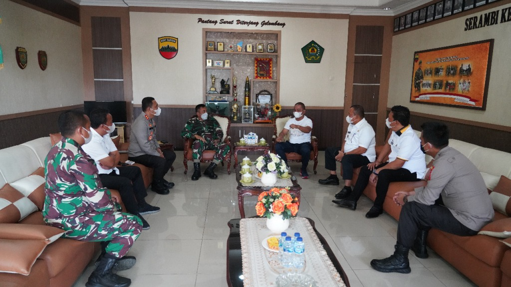 SNT, Sibolga – Danrem 023/KS Kolonel Inf Febriel Buyung Sikumbang menerima kunjungan Wali Kota Sibolga, Jamaluddin Pohan, dan Bupati Tapteng, Bakhtiar Ahmad Sibarani.