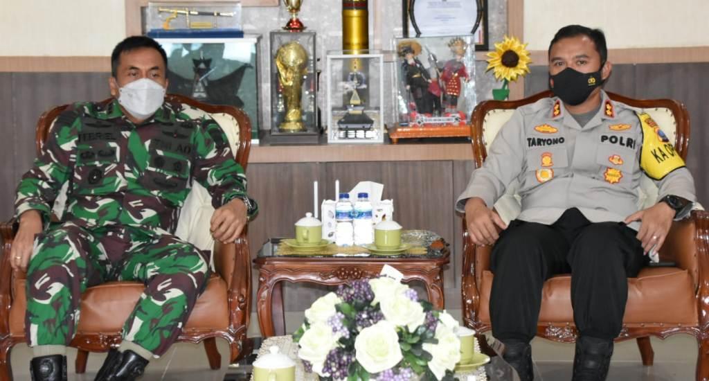 Foto: Danrem 023/KS, Kolonel Inf Febriel Buyung Sikumbang dan Kapolres Sibolga AKBP Taryono Raharja. (Istimewa)