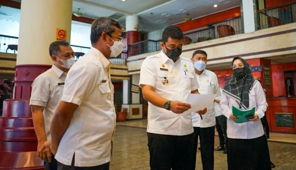 Wali Kota Medan, Bobby Nasution meninjau Hotel Soechi International, Rabu (14/7/2021).