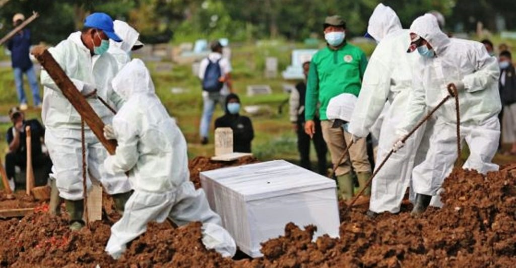 Ilustrasi Prosesi Pemakaman Pasien COVID-19. (Foto: Net)