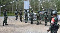 Danrem 023/KS, Kolonel Inf Febriel Buyung Sikumbang meninjau latihan Pratugas Yonif 123/Rajawali (RW), Senin (2/8/2021).
