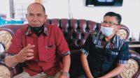 Foto: Sekretaris Dinas Pemberdayaan Masyarakat Desa (PMD) Taput, Siasep Manalu dan Kepala Bidang Administrasi Pemerintahan Desa, Ranap Manalu. (dok/ts)
