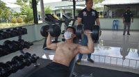 Atlet Binaragawan Lotus GymSedang Dilatih. (Istimewa)