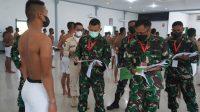 Komandan Korem (Danrem) 023/KS Kolonel Inf Febriel Buyung Sikumbang memimpin Sidang Parade Calon Tamtama Prajurit Karir (Cata PK ) TNI AD Gelombang II TA 2021