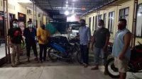 Foto: Kanit Pidum Sat Reskrim Polres Tapteng Aipda M.Emil Lumbantobing paparkan tersangka dan barang bukti. (Istimewa)